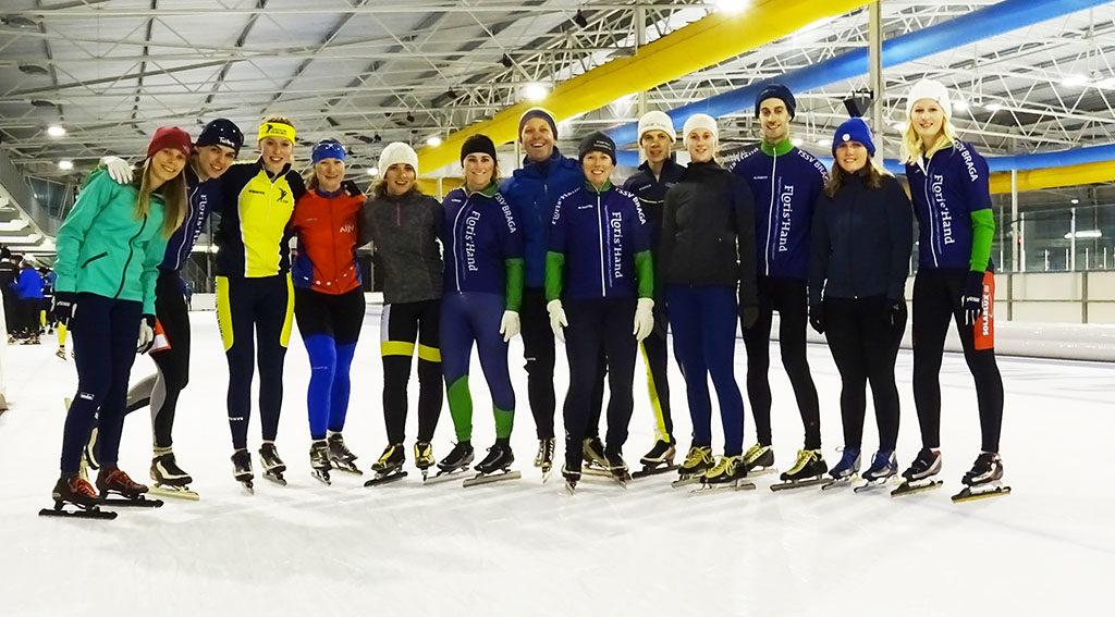 Groepsfoto op het ijs